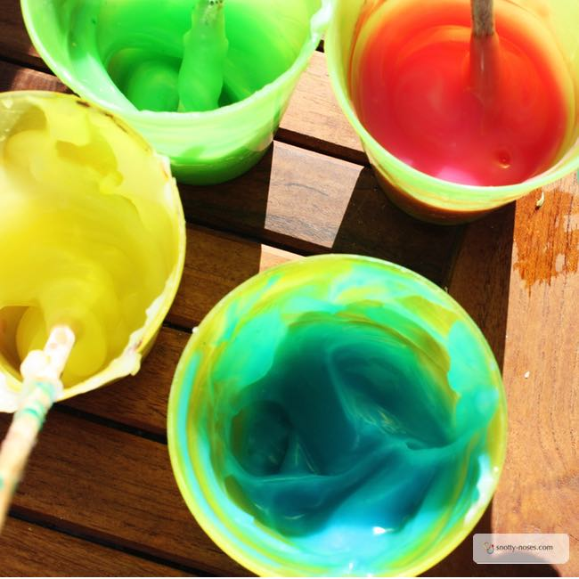 Taste Safe Paint. A great toddler or baby activity to explore colours and textures.
