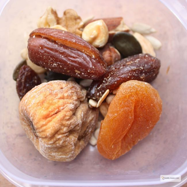 How to Make Home Made Trail Mix. A Healthy Snack for Kid