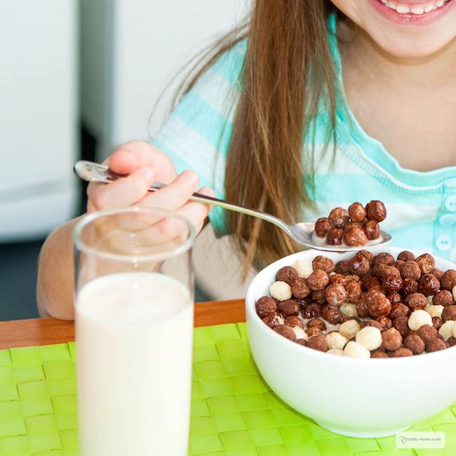 The Truth about Kids, Sugar and Salt. And What to Do About it. You may be surprised to learn how much sugar and salt your kids are consuming on a daily basis. Some great tips to help you reduce those oh-so convenient packets that we all buy!