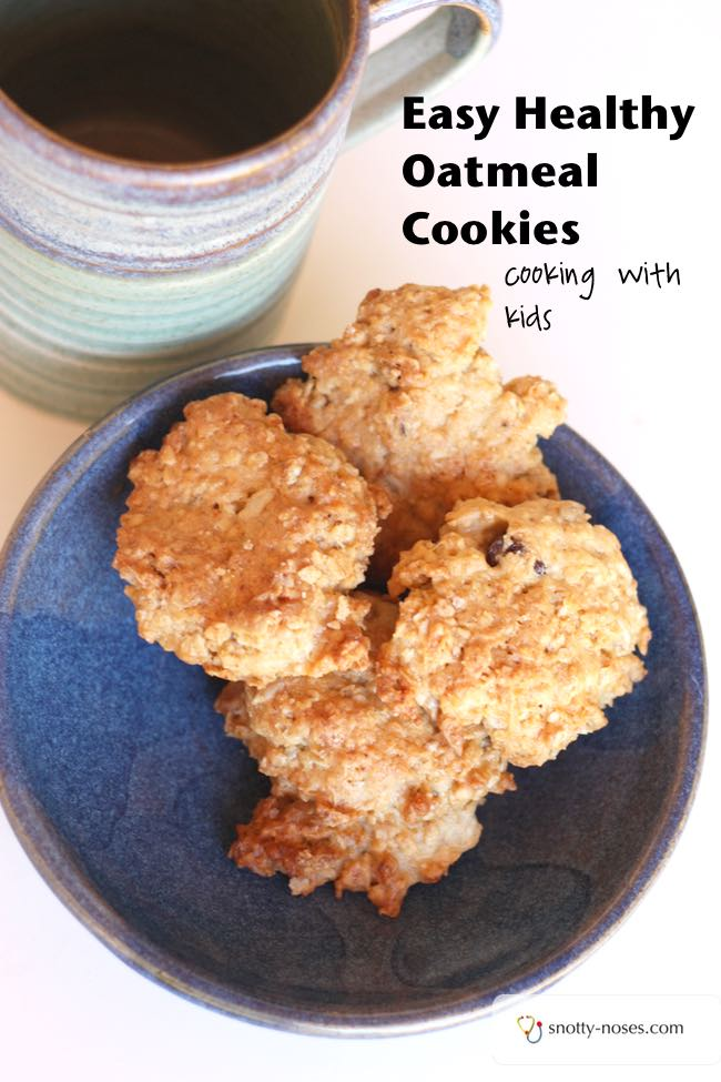 Oatmeal Raisin Cookies. A perfect recipe to cook with kids.
